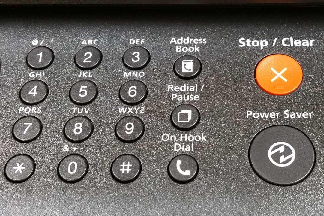 È valida la comunicazione della cancelleria all'avvocato via fax e non via pec