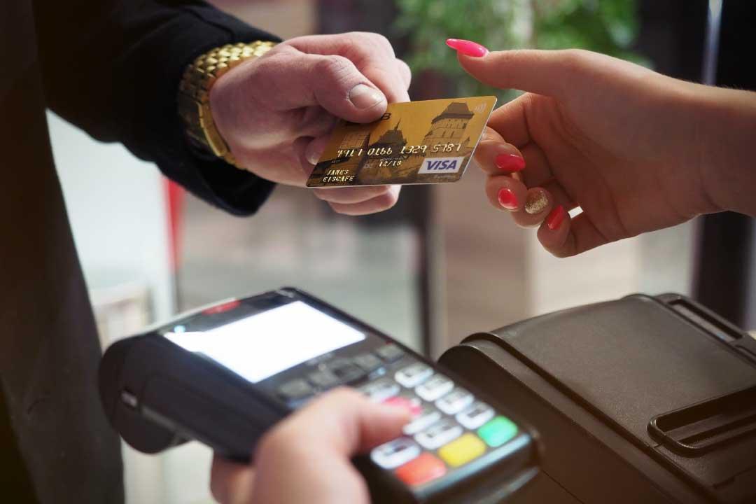 Cashback di Stato: come funziona il bonus bancomat in partenza al 1° dicembre