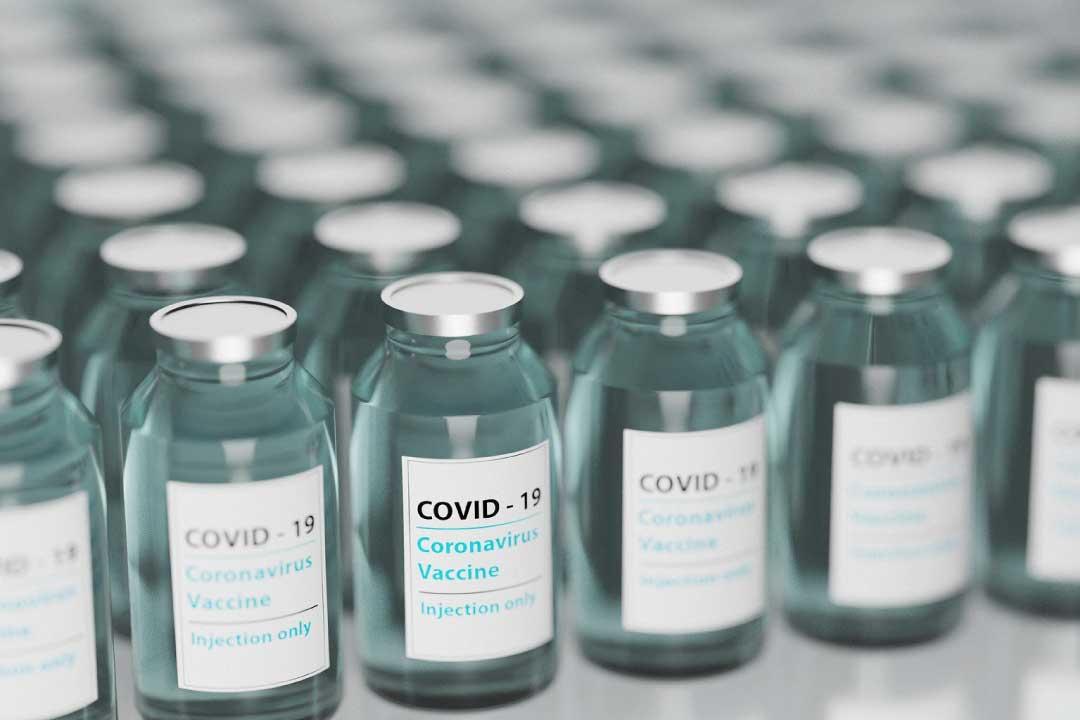Vaccino COVID: Codacons contesta il modulo di consenso